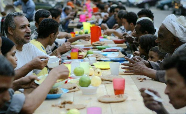 Long ramadan banquet iftar