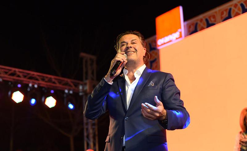 Ragheb Alama performs at annual orange suhour event