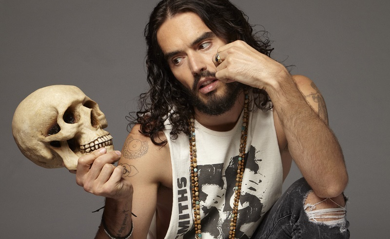 British Comedian Russell Brand in Negotiations to Star in Upcoming Egypt-Set Movie 'Death on the Nile'
