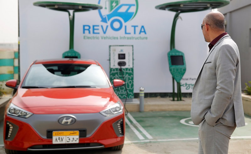 Upper Egypt to Receive EGP 60 Million in Investment for Electric Vehicle Charging Stations