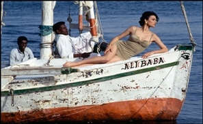 Stunning Fashion Photography in 90s Egypt