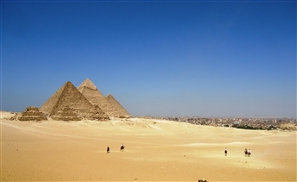 Two Egyptian Policemen Shot Dead Near the Pyramids