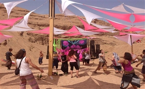 Hippies in Sinai Freak Out