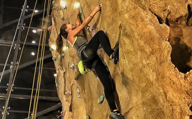 Rock Climbing at Fingerlock Egypt