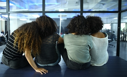 The Evolution of Egyptian Curls in a Split End Society