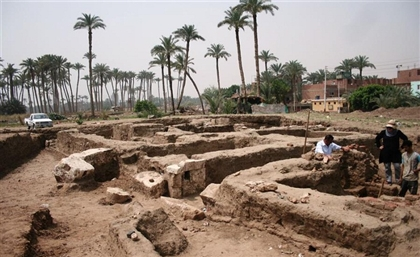 Archaeologists Discovered an Enormous Ancient Egyptian Building in Giza