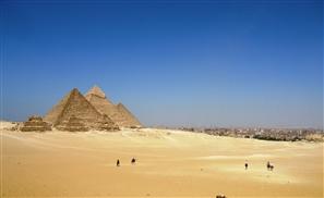 Two Egyptian Policemen Shot Dead Near the Pyramids