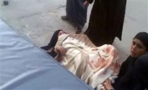 Woman Forced to Give Birth in Street Outside Egypt Hospital