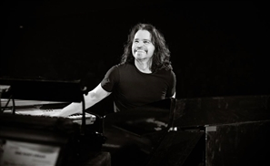 Yanni Set to Play in Egypt