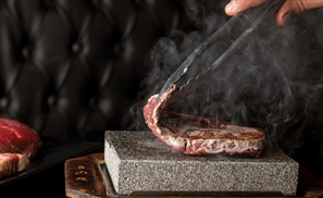 One Oak's Blackstone: Dine Like a Caveman