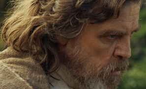VIDEO: Star Wars Episode VIII Begins Filming