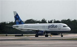 Two Muslim Women Kicked Off JetBlue Flight for 'Staring' at Flight Attendant