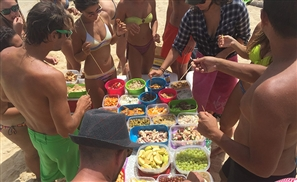 Ya Dala3o: Catering on a Boat
