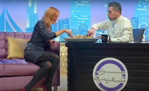 Viral Video: Lindsay Lohan Eats Rice With Her Hands on a Kuwaiti Talk Show