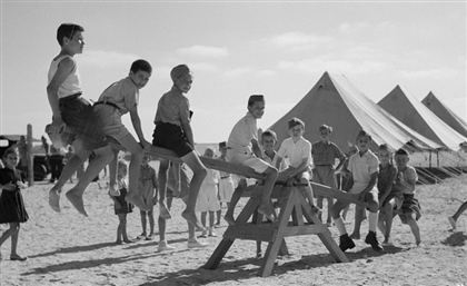 21 Incredible Photos That Document the Lives of Yugoslavian Refugees in Egypt during World War Two