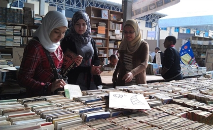 Azbakeya Delivery Is Bringing The Famous Book Market to Our Doorsteps