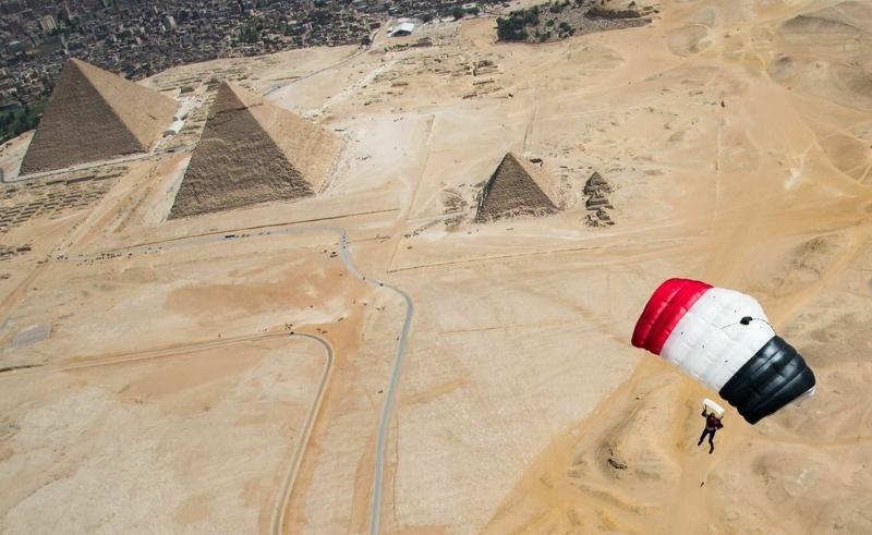 pyramids parachute