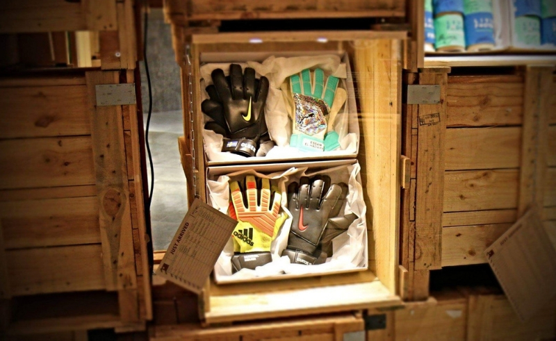 gloves,museum