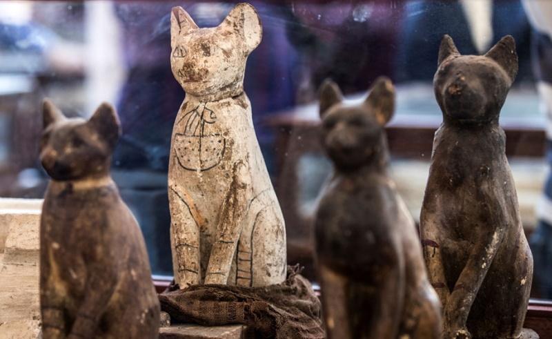 Ancient cat statues
