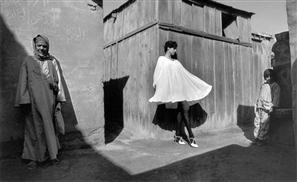 Astounding Black & White Fashion Photography In 1980s Egypt
